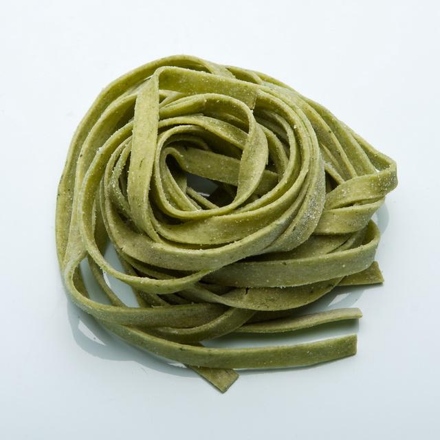 Fettuccine-Spinach_640x640